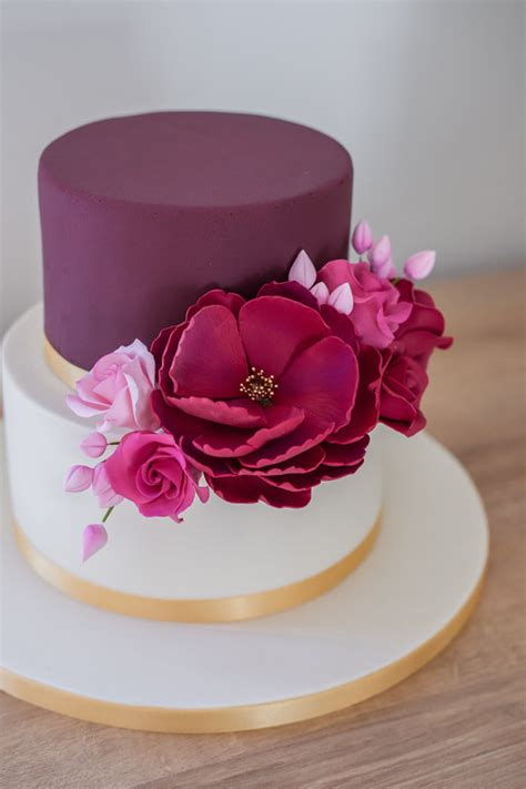 Wedding Cake Trends for 2021