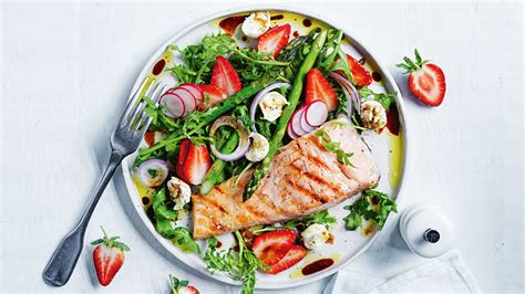 Strawberry & asparagus salad with salmon recipe | Coles