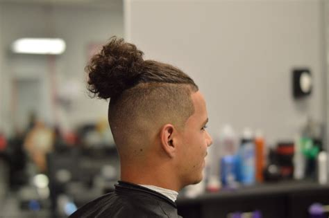 Man bun with bald/skin fade step by step how to - YouTube