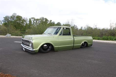 Bill Newell's 1972 Chevy C20 longbed converted to 1969 C10
