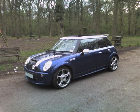 2003 Mini Cooper s – pictures, information and specs